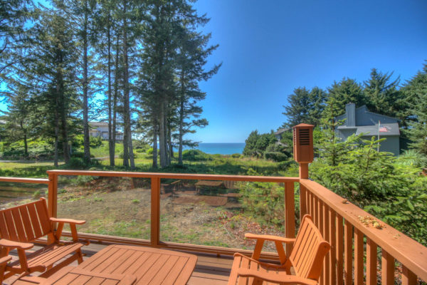 Deck and view of the Ocean - Custom Oregon homes