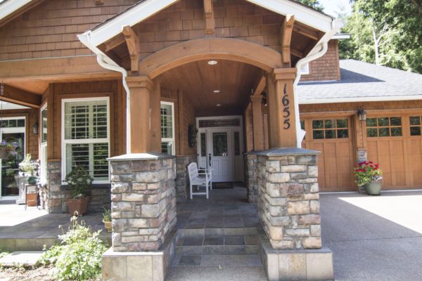 Stunning wooden arched front patio walkway - Oregon